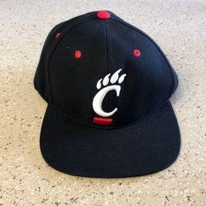 Cincinnati Bearcats cap